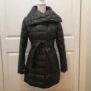 A Pea in the Pod / Laundry by Shelli Segal Coat